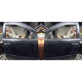 Tür vorne rechte oder linke Seite Chrysler Aspen 2007 5.7 Unkomplett