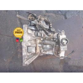 Getriebe, Schaltgetriebe 1.9D FIAT DOBLO PUNTO Verlauf: 76.000km